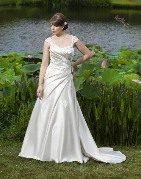 Ireland's Top Wedding Dress Designers   weddingsonline