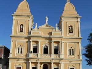 Igreja de Nazaré da Mata que foi arrombada (Foto: Divulgação/ Bombeiros PE)