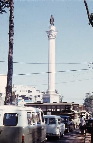 Tượng đài Nguyễn Tri Phương ở ngã 6 Nguyễn Tri Phương.