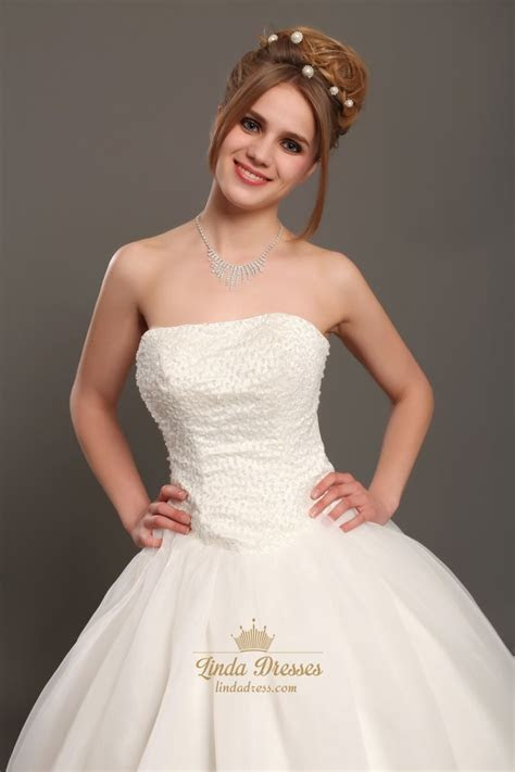 Ivory Strapless Organza Ball Gown Wedding Dresses With