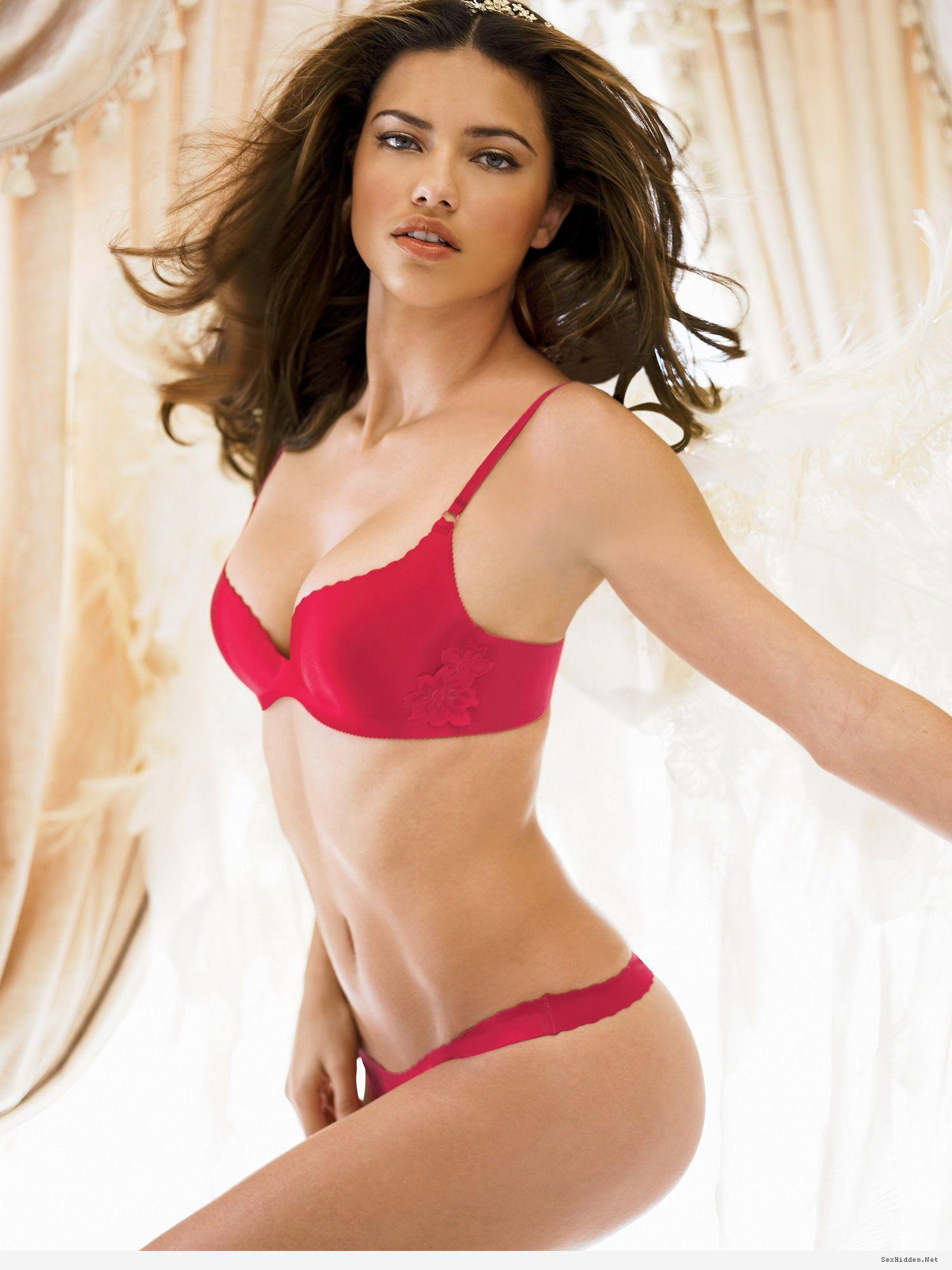 992 Miss Universal