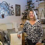 Deck your halls with these trends and tips from an expert - The Daily Herald