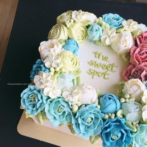 New flowers for Bespoke Buttercream Flower Cakes ? The
