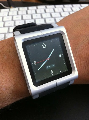 LunaTik iPod nano in Watch mode