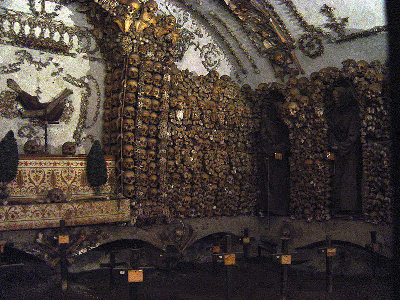 File:Capuchin Crypt.jpg
