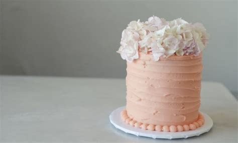 Rustic Cake DIY: Home Style Horizontal Rustic Frosting