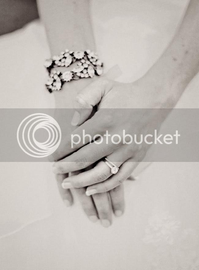 http://i892.photobucket.com/albums/ac125/lovemademedoit/085.jpg?t=1321779094