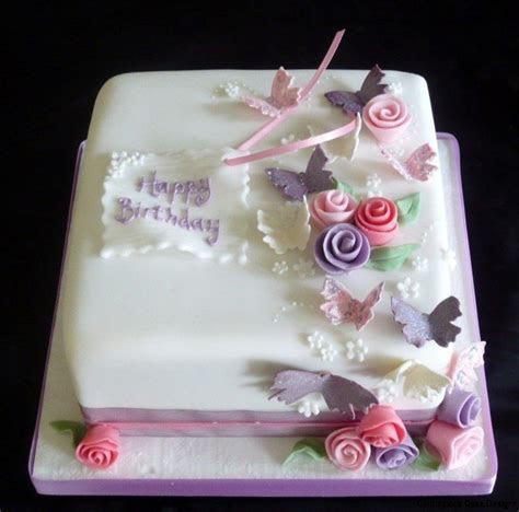 Adult Birthday Cakes   Centrepiece Cake Designs Isle of Wight