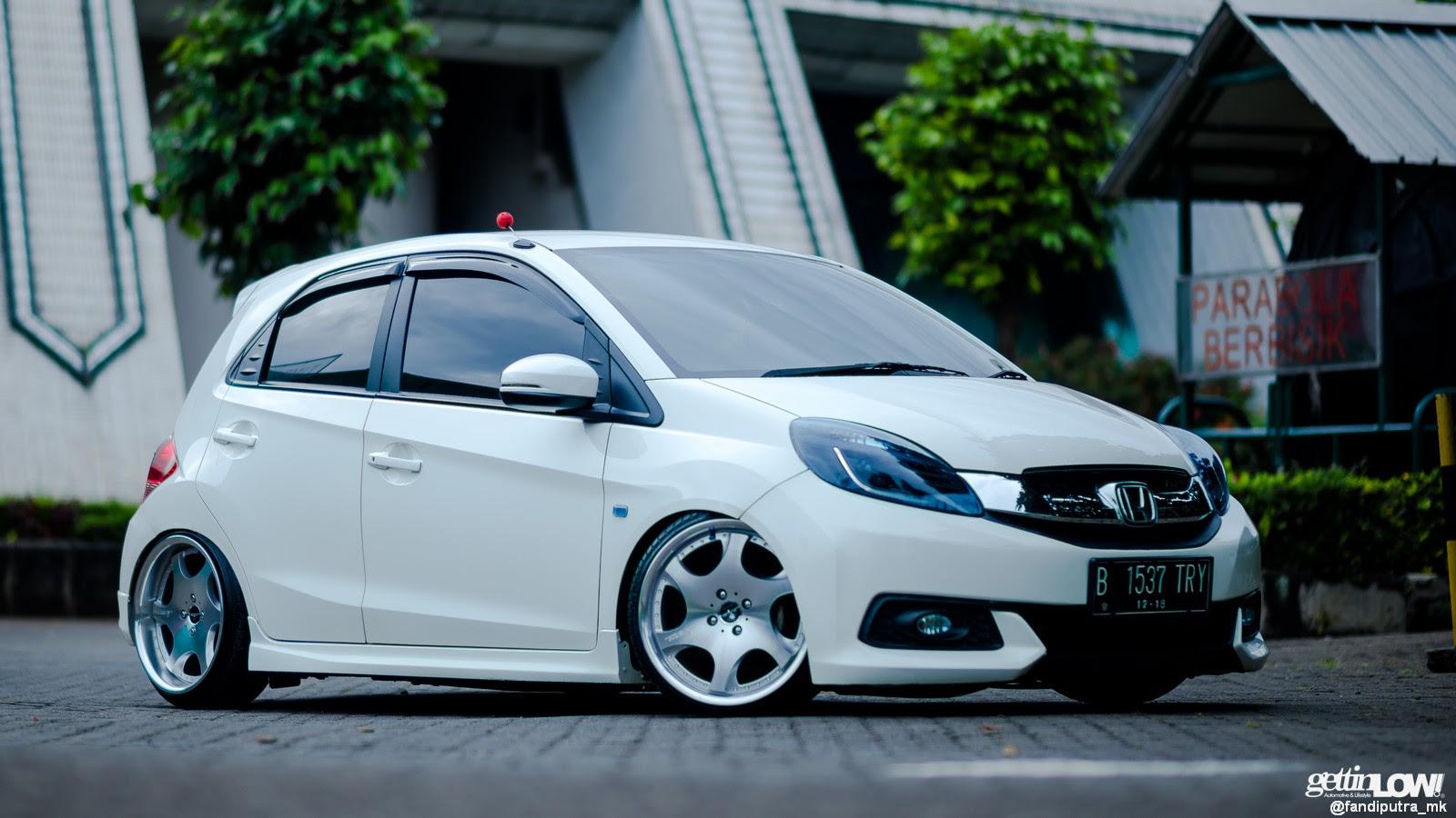Gettinlow Modifikasi Honda Brio Rapih Milik Radivan