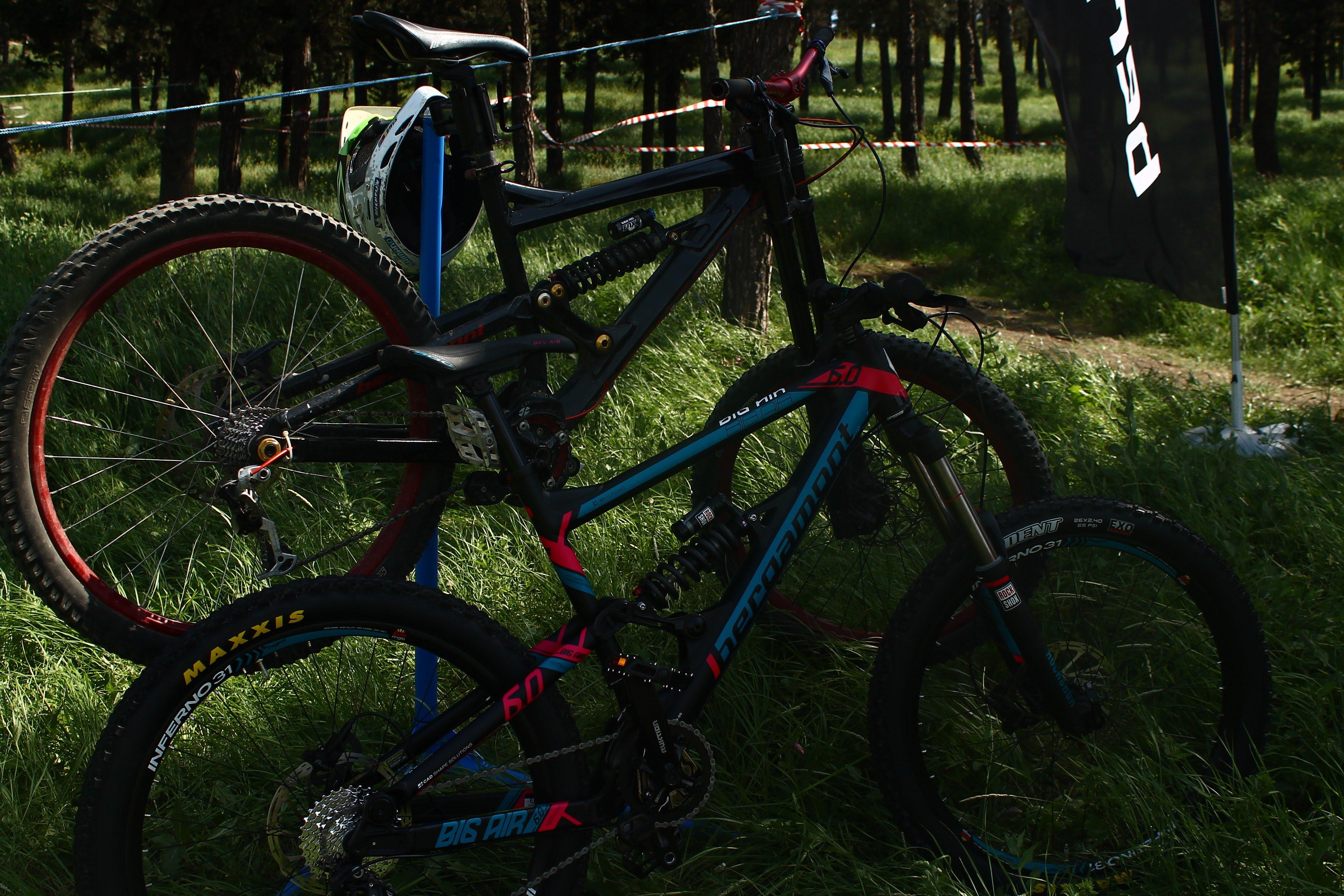 Background Mountain Bike Wallpaper