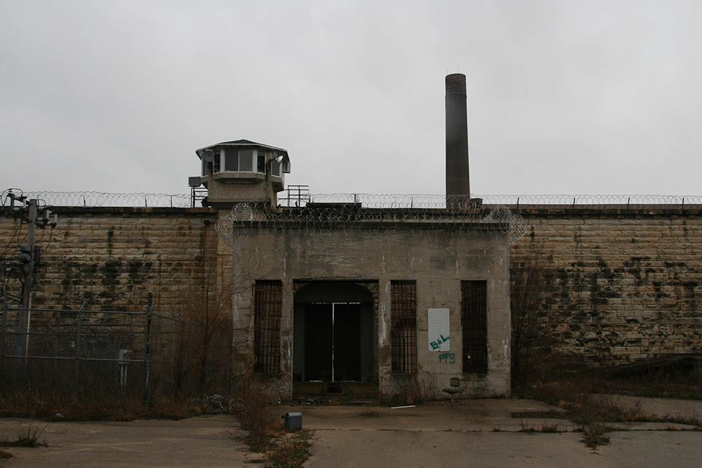 Abandoned Prison © 2014 sublunar