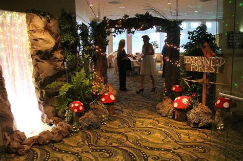 Enchanted forest decorations for wedding ideas 8   Savvy