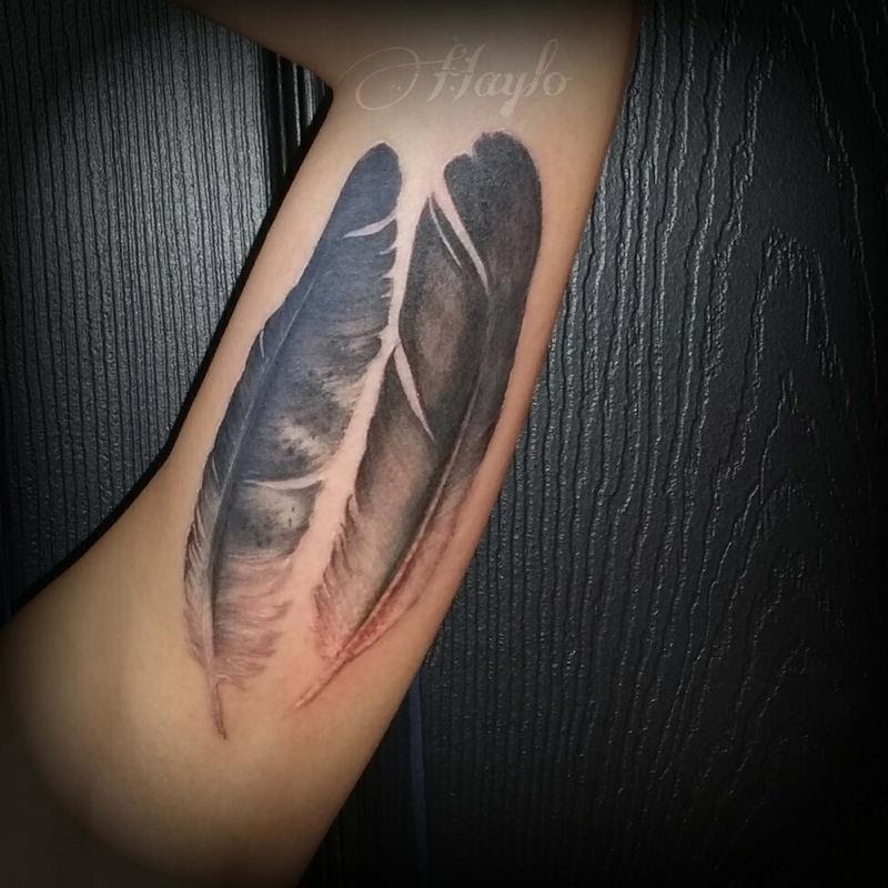 Realistic Bald Eagle And Golden Eagle Feathers By Haylo Tattoos
