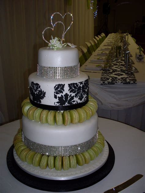 Magnificent Nine   Wedding Cakes Toowoomba