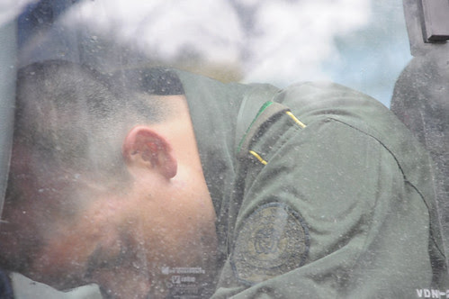 sleeping colombian soldier_4071 web