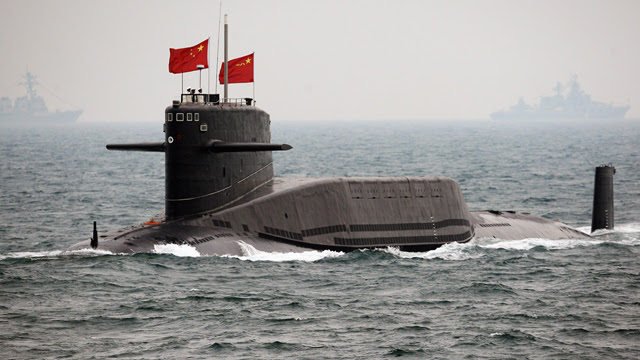 http://a.files.bbci.co.uk/worldservice/live/assets/images/2016/07/11/160711094948_cn_pla_submarine_qingdao_01_640x360_afp_nocredit.jpg