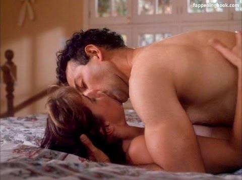 Maura Tierney Nude - Hot 12 Pics | Beautiful, Sexiest