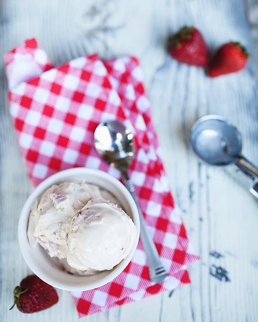 strawberry and vanilla bean icecream