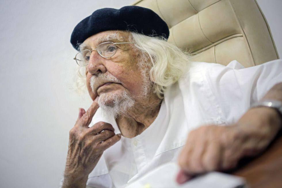 El poeta Ernesto Cardenal en su 90 aniversario