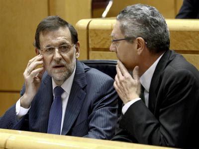 Rajoy y Ruiz-Gallardón, este martes en el Pleno del Senado/Efe