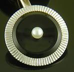 Onyx and pearl dress set. (J9339)