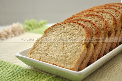 Pão com gérmen de trigo e flocos de quinoa