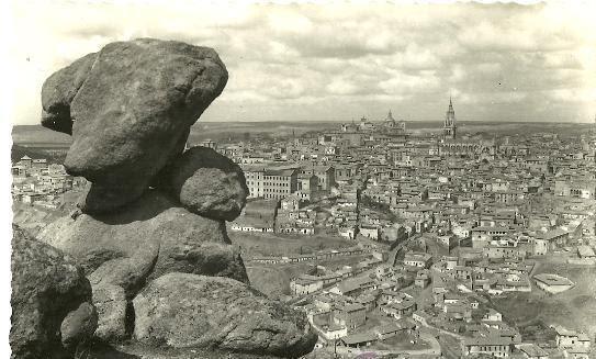 Piedra del Rey Moro y vista de Toledo a comienzos del siglo XX