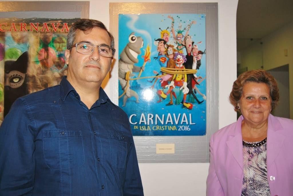 González y Grao posan ante el cartel
