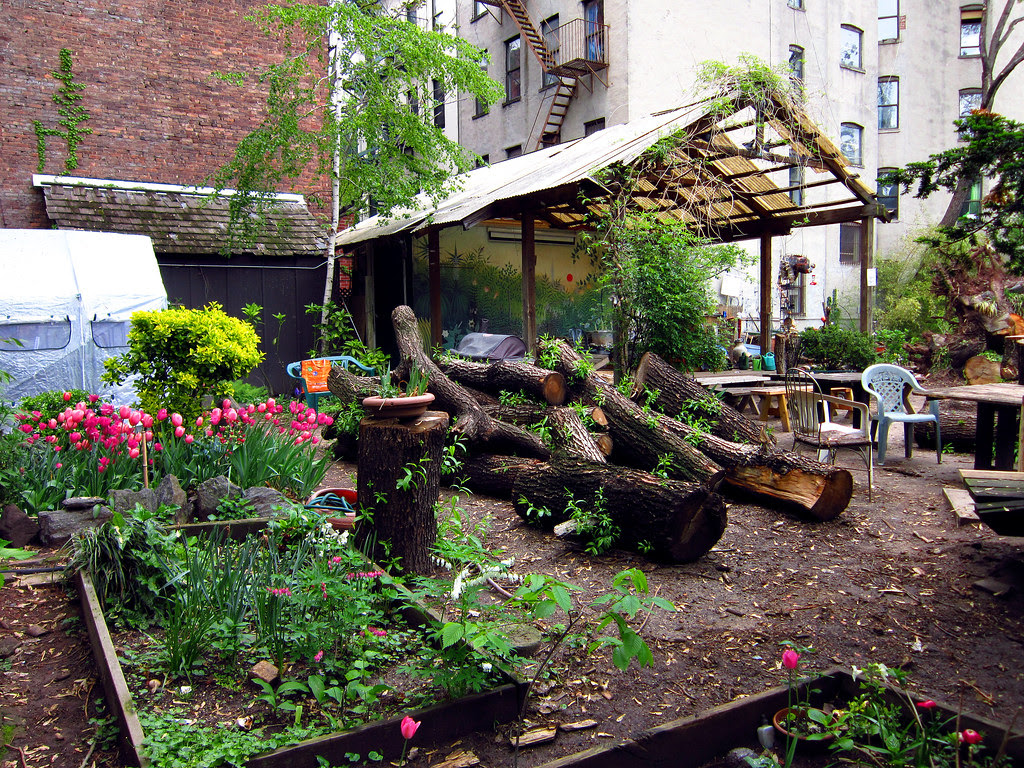 6th Street Community Garden