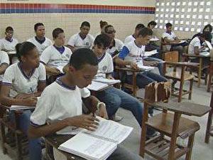 Alunos da rede pública sala de aula (Foto: Reprodução/Globo Nordeste)
