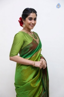 Regina Cassandra Photos - 20 of 37