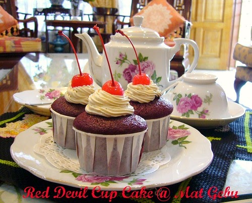 RED DEVIL CUP CAKE...