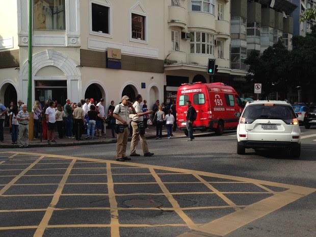 Mulher foi baleada em tentativa de assalto em Ipanema (Foto: Luísa Taranto / TV Globo)