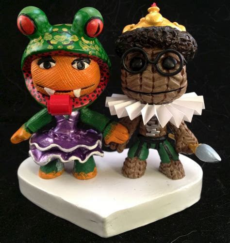 Little Big Planet® Cake Toppers   Paul Pape Designs