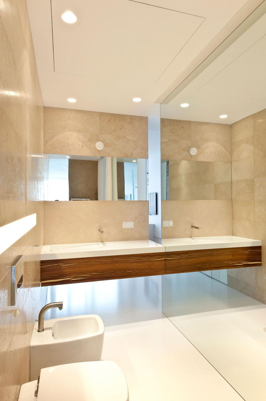 White cream bathroomInterior Design Ideas.