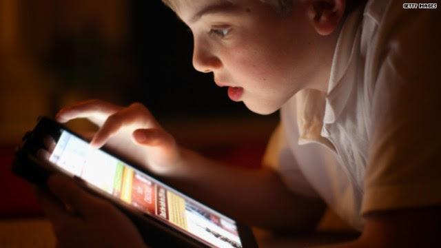 4 consejos para que tu hijo no malgaste el dinero en aplicaciones
