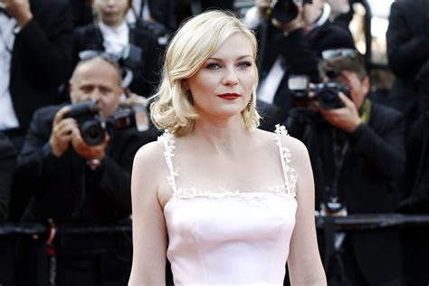 Kirsten Dunst Reveals Her Wedding Dress Designer and More