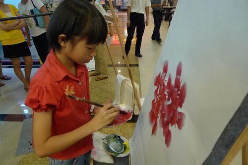 Genius girl painter