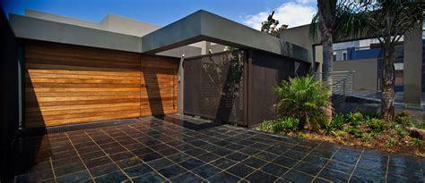 house tat designed  nico van der meulen architects