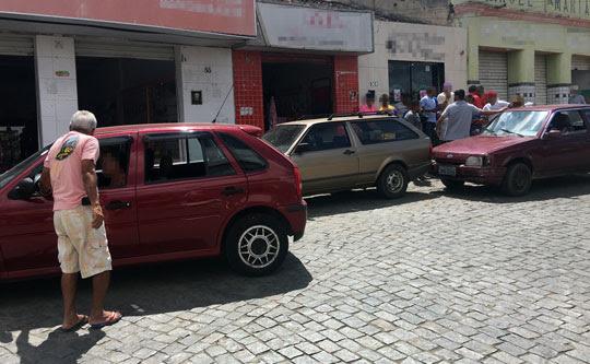 Acidente aconteceu em um cruzamento da Praça Ezequiel Cardoso, no centro de Santaluz | Foto: Notícias de Santaluz