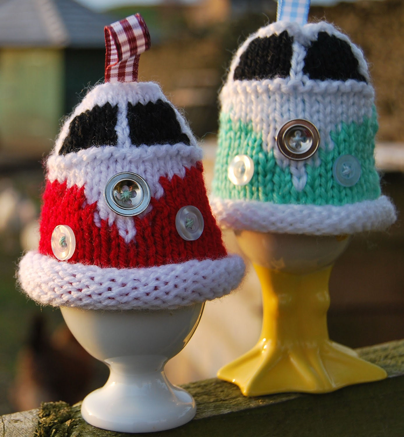 Knitting Pattern - Knit a Campervan Egg Cosy (VW, Bus, Kombi, Microbus), perfect gift for Easter.