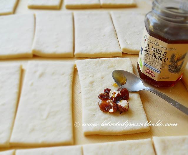 Saccottini con miele di bosco e frutta secca