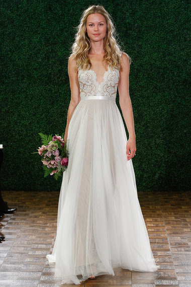 2014-12-22-14watters6089bweddingdress_rev.jpg