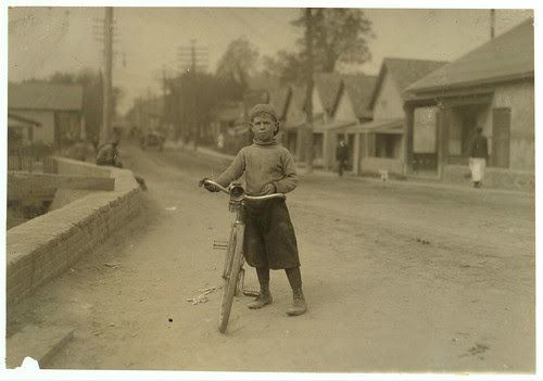 Lewis Hine - Bicycle Messenger