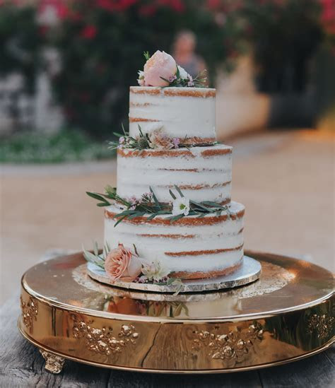 Our Favorite Wedding Cakes from 2017   Green Wedding Shoes