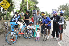 I shoot Bandra Cycle Club and Two Street Photographers at Carter Road by firoze shakir photographerno1