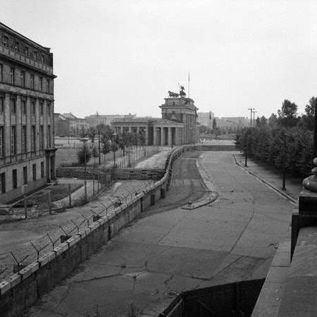 Black and white photo of the Berlin Wall