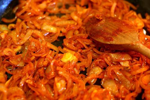Smoked paprika onions