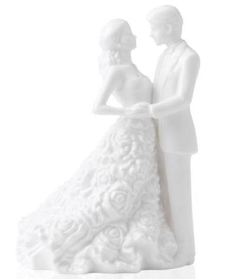 Lladro Collectible Figurine, The Happiest Day