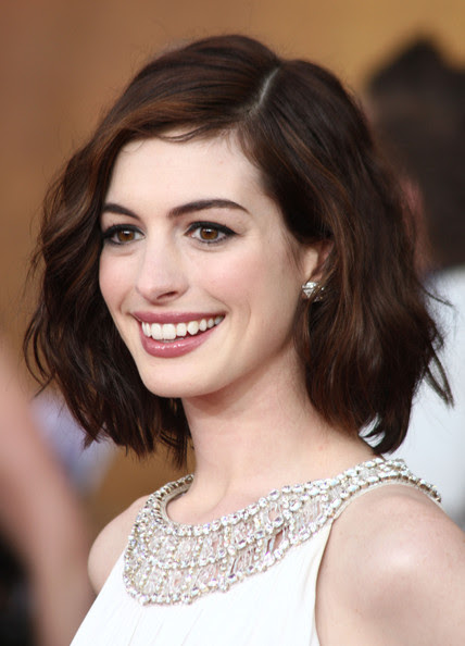 Celebrity Image Gallery Anne Hathaway Short Hairstyles